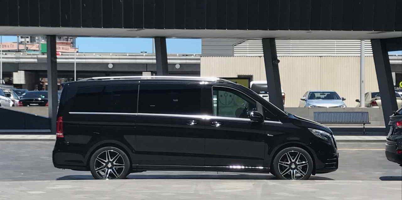Chauffeur Van Melbourne airport transfer pick up drop-off