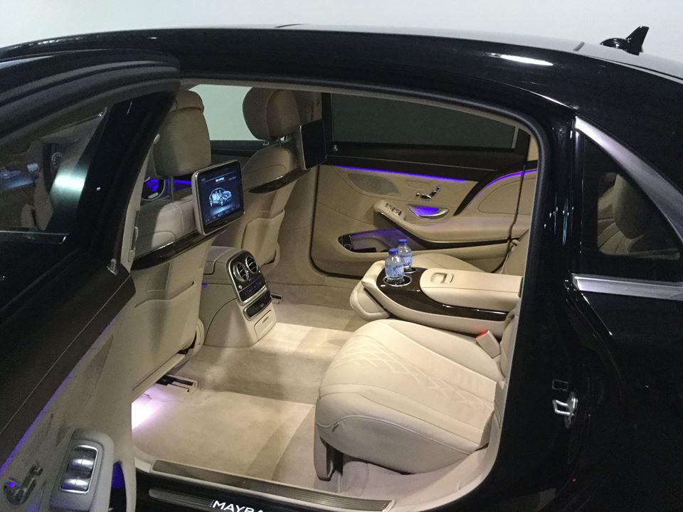 chauffeur car transport for corporate transfers