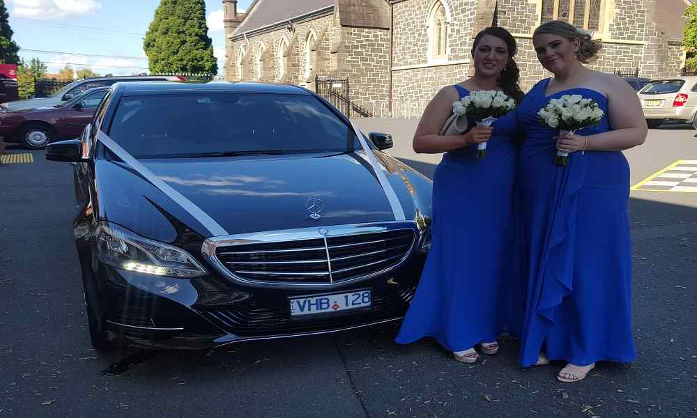 Chauffeur wedding cars Melbourne with bride maids