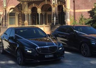 Chauffeur Melbourne wedding cars