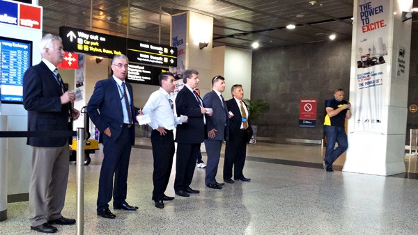 Chauffeur waiting for airport pickup melbourne airport